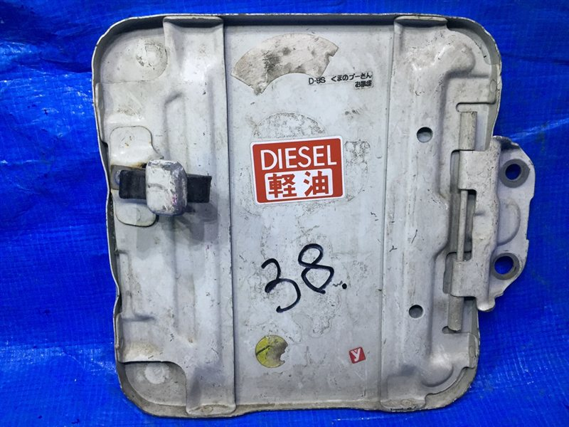 Лючок бензобака Toyota Hiace KZA132 (б/у)