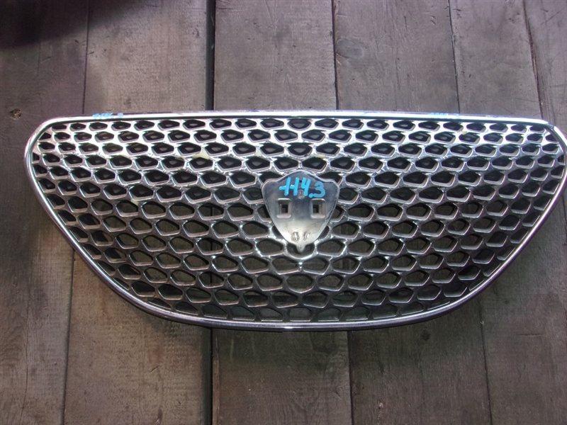 Решетка радиатора Toyota Verossa GX110 (б/у)