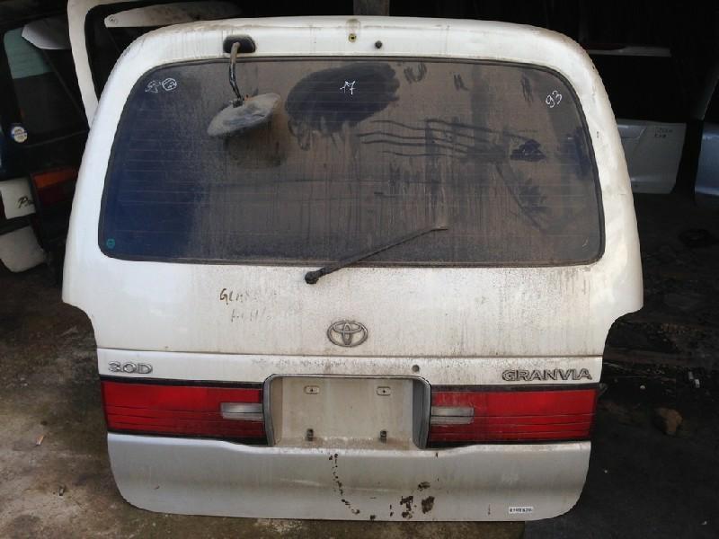 Дверь задняя Toyota Granvia KCH16W (б/у)