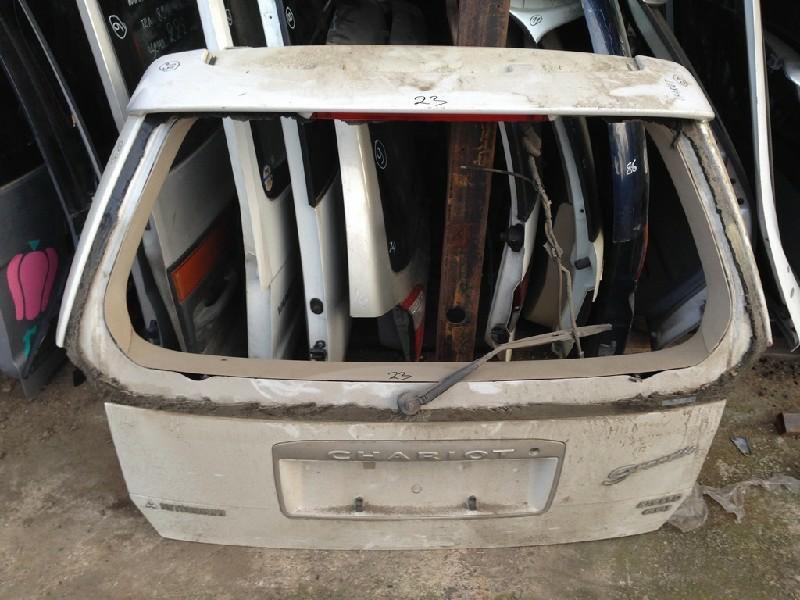 Дверь задняя Mitsubishi Chariot Grandis N94W (б/у)