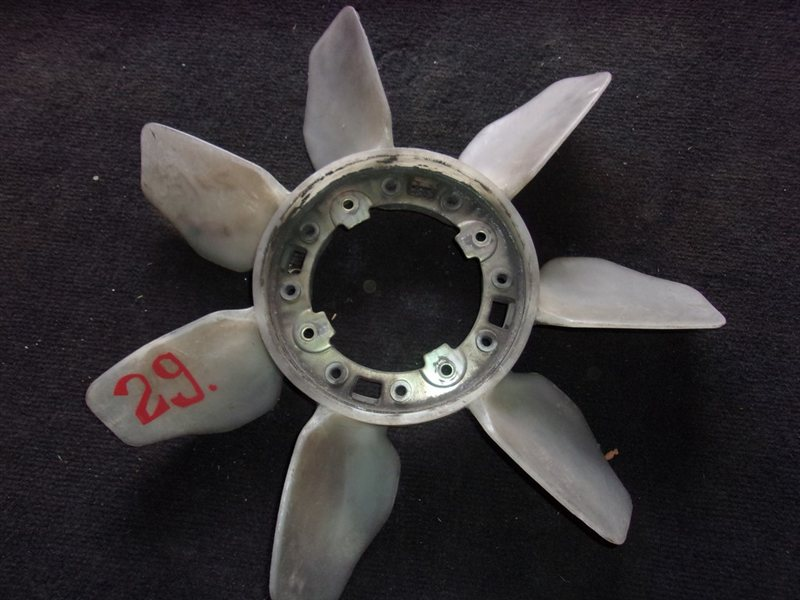 Вентилятор Toyota Granvia KCH46 1KZ (б/у)