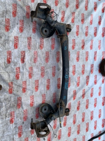 Балка подвески Toyota Ipsum SXM10 задняя (б/у)