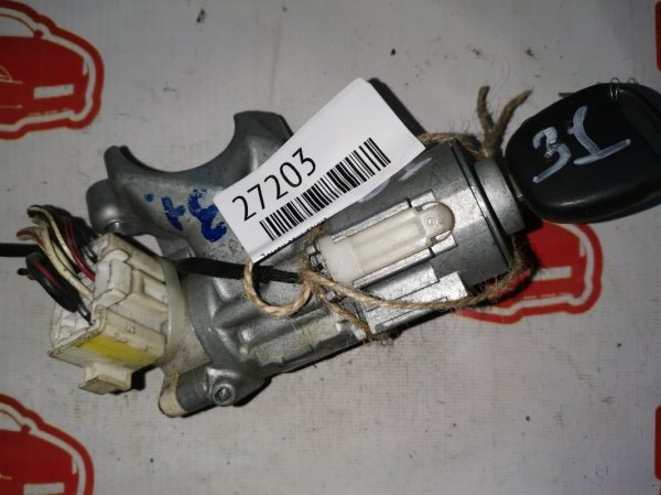 Личинка замка Toyota Funcargo NCP25 1NZ-FE (б/у)