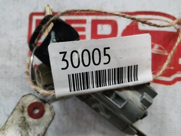 Личинка замка Toyota Funcargo NCP20 (б/у)