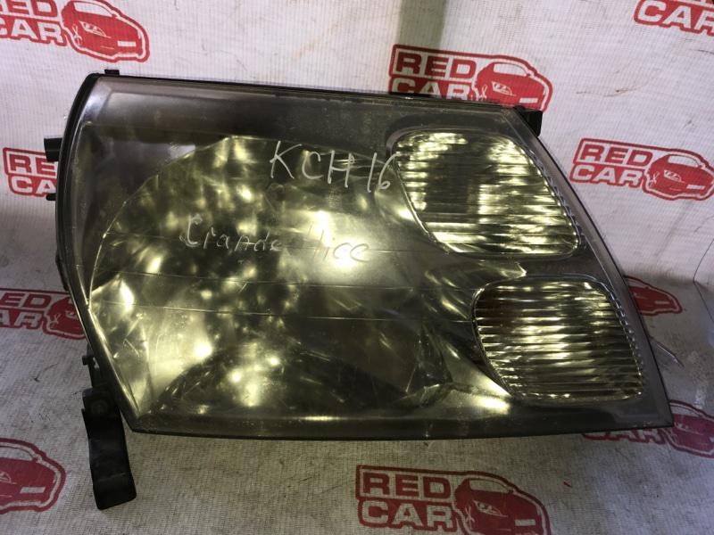 Фара Toyota Grand Hiace KCH16 передняя правая (б/у)