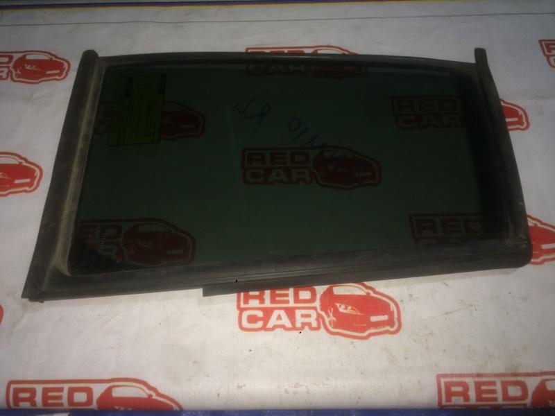 Форточка двери Toyota Isis ZNM10 1ZZ задняя левая (б/у)