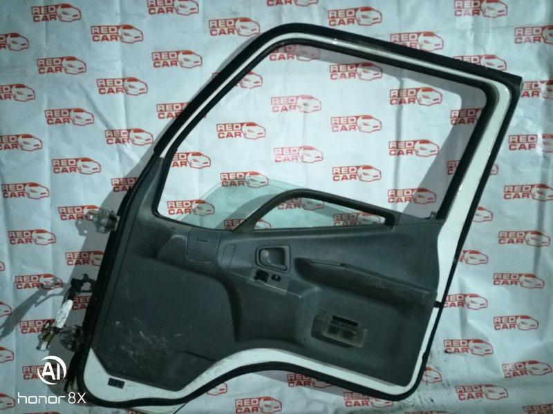 Дверь Mitsubishi Canter FD50AB 4M40 2001 передняя правая (б/у)