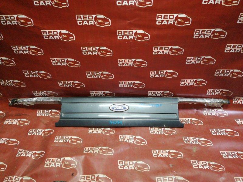 Решетка радиатора Mazda Bongo SSF8RF-500249 RF 1993 (б/у)