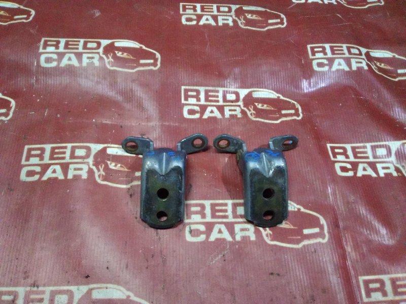 Петля двери Nissan Tiida NC11-102739 HR15 2004 (б/у)