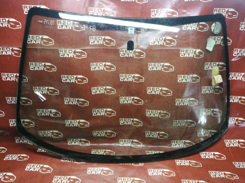 Стекло Mazda Familia BJ5W (б/у)