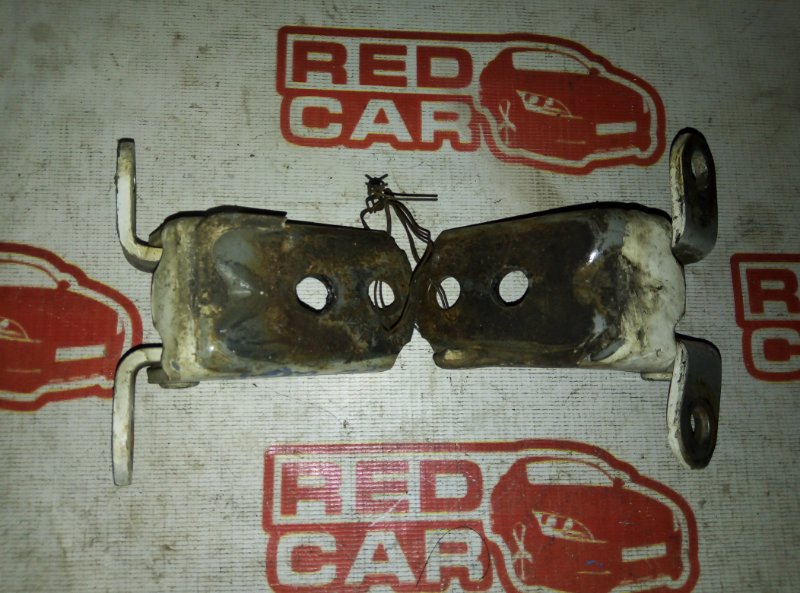 Петля двери Nissan Bluebird Sylphy QG10 передняя левая (б/у)