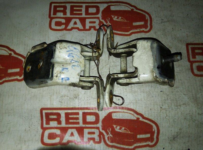 Петля двери Nissan Bluebird Sylphy QG10 задняя правая (б/у)