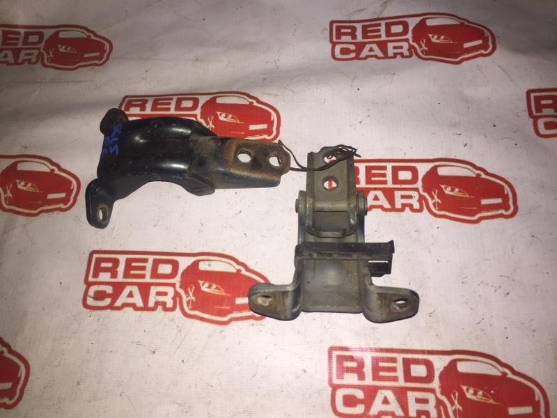 Петля двери Mazda Bongo Friendee SGL5 WL-T передняя левая (б/у)