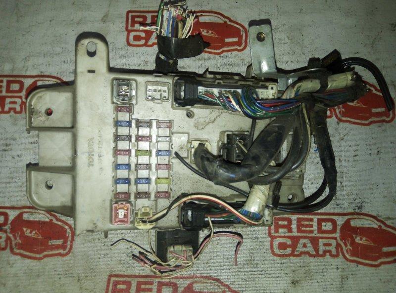Блок предохранителей Toyota Rav4 ACA20 1AZ (б/у)