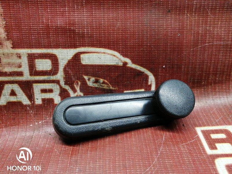 Ручка стеклоподъемника Toyota Sprinter Carib AE114-7000502 4A 1995 передняя левая (б/у)