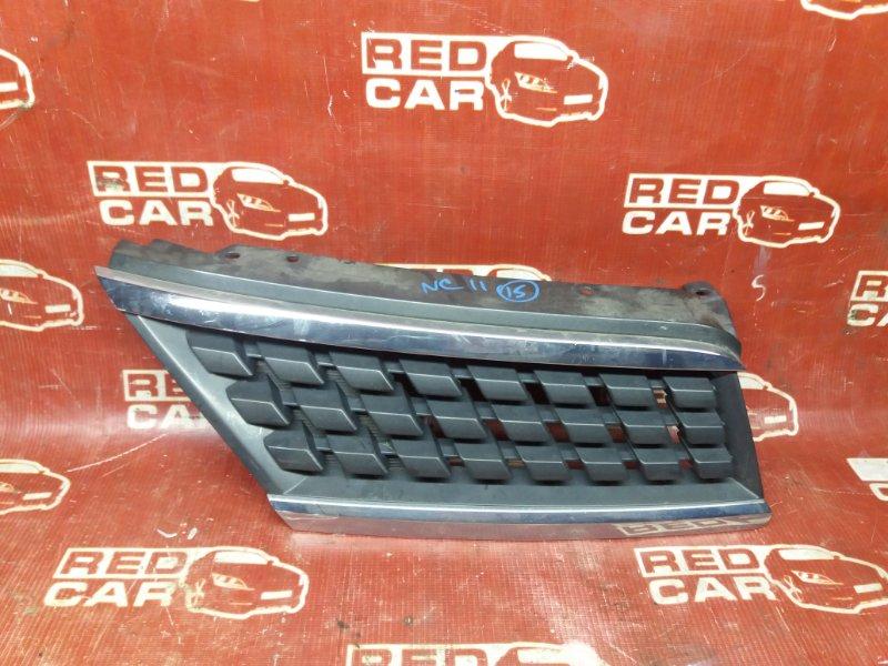 Решетка радиатора Nissan Tiida NC11-102739 HR15 2004 правая (б/у)