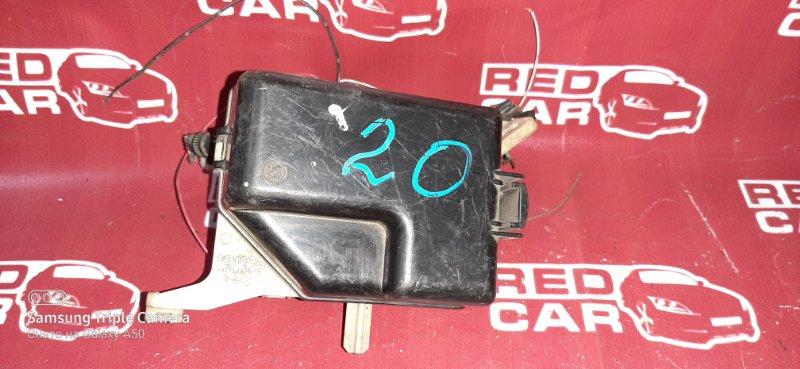 Блок предохранителей под капот Toyota Sienta NCP81 1NZ (б/у)