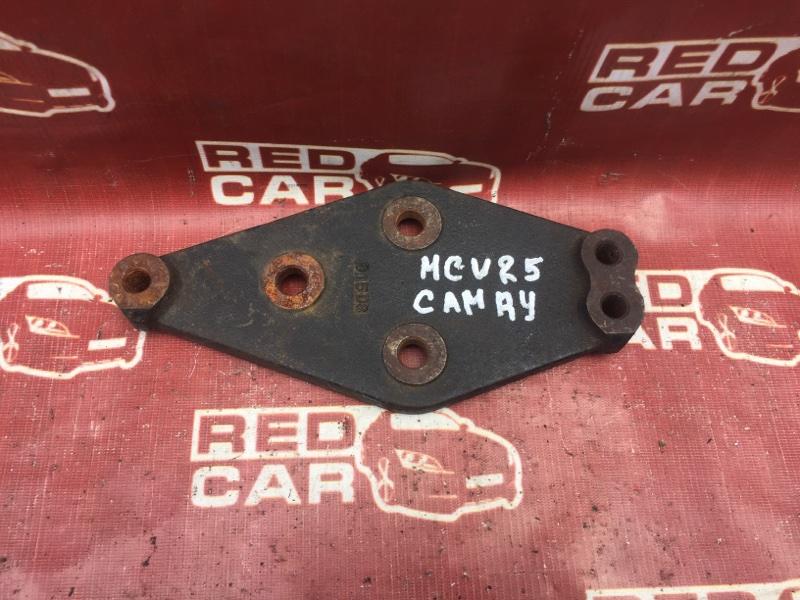 Крепление редуктора Toyota Camry MCV25 (б/у)