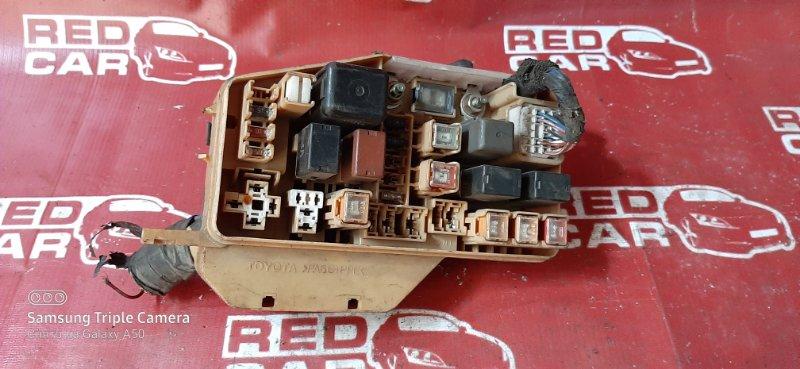 Блок предохранителей под капот Toyota Starlet EP91 4E-FE (б/у)