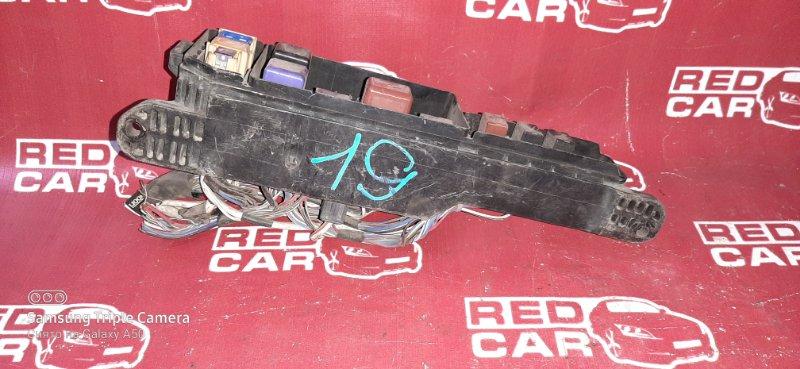 Блок предохранителей под капот Toyota Ipsum SXM10 3S (б/у)