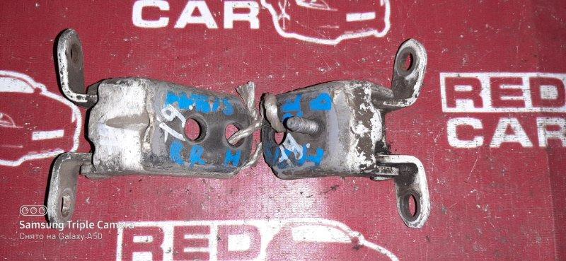 Петля двери Nissan Sunny FNB15 задняя правая (б/у)