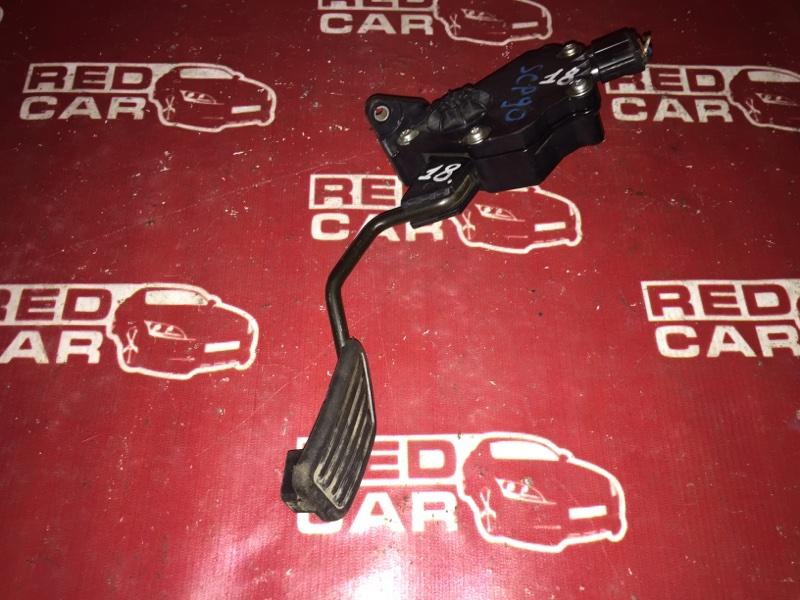 Педаль газа Toyota Ractis SCP100 2SZ (б/у)