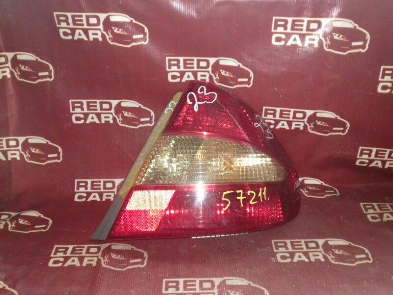 Стоп-сигнал Toyota Prius NHW11 правый (б/у)