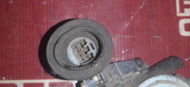 Стеклоподъемник Toyota Rav4 ACA31 задний правый (б/у)