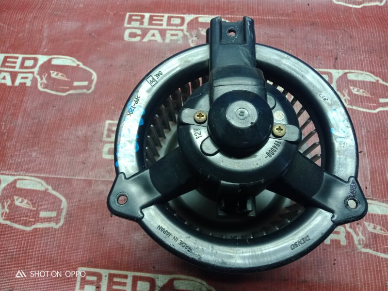 Мотор печки Toyota Ist NCP65-0012522 1NZ 2002 (б/у)
