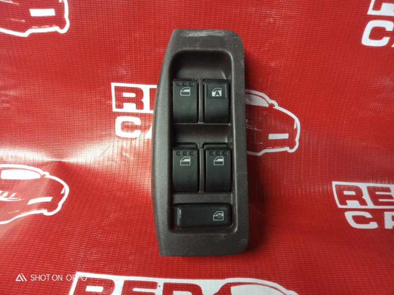 Блок упр. стеклоподьемниками Toyota Passo KGC30 передний правый (б/у)