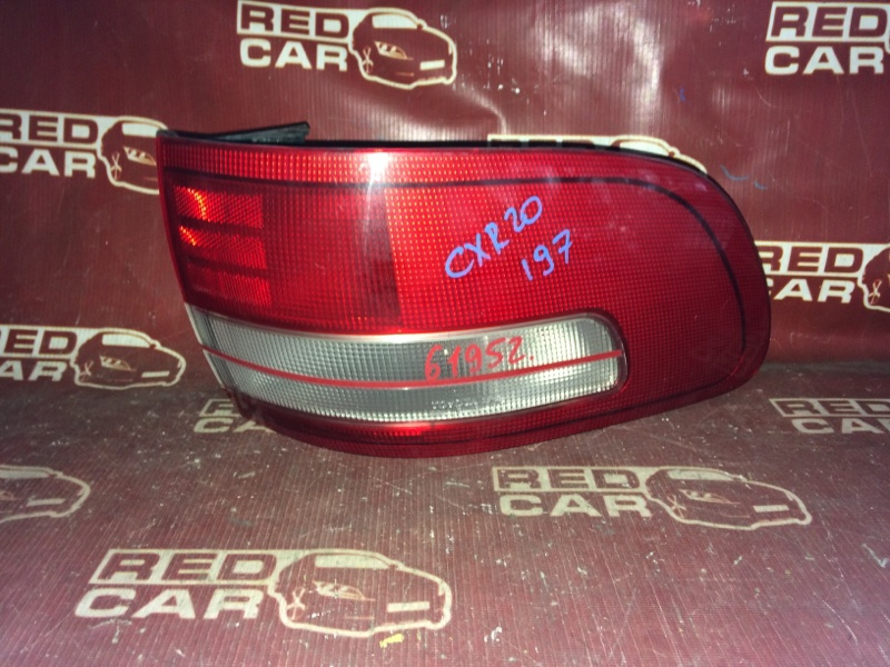 Стоп-сигнал Toyota Estima CXR20-0042752 3C-2498338 1993 правый (б/у)