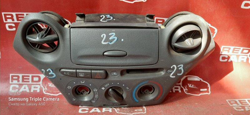 Центральная консоль Toyota Vitz SCP10 1SZ (б/у)