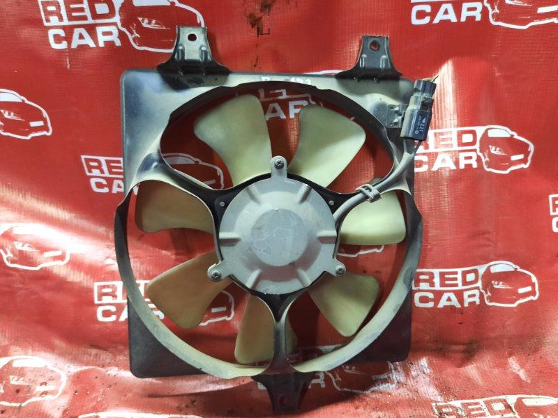 Диффузор радиатора Daihatsu Pyzar G313G-005248 HE 1997 правый (б/у)