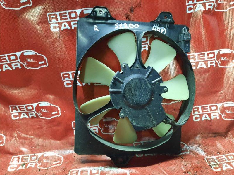 Диффузор радиатора Toyota Carina Ed ST200-0002016 4S-1058136 1993 правый (б/у)