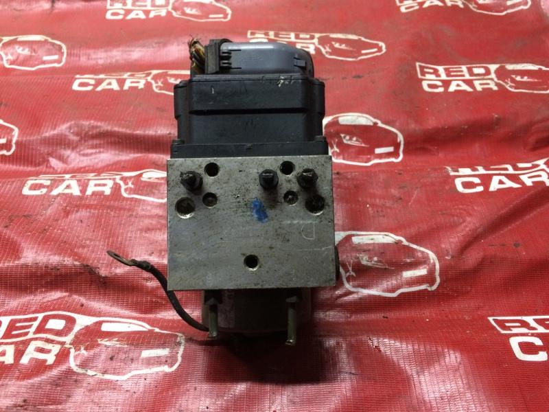 Блок abs Nissan Elgrand ATWE50-031295 ZD30-052057A 2000 (б/у)