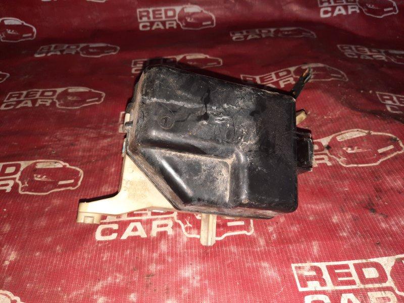 Блок предохранителей под капот Toyota Vitz SCP10-3114731 1SZ-0195809 1999 (б/у)