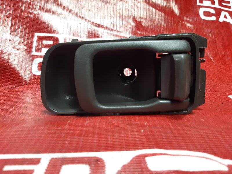 Ручка двери внутренняя Nissan Elgrand ATWE50-031295 ZD30-052057A 2000 передняя правая (б/у)