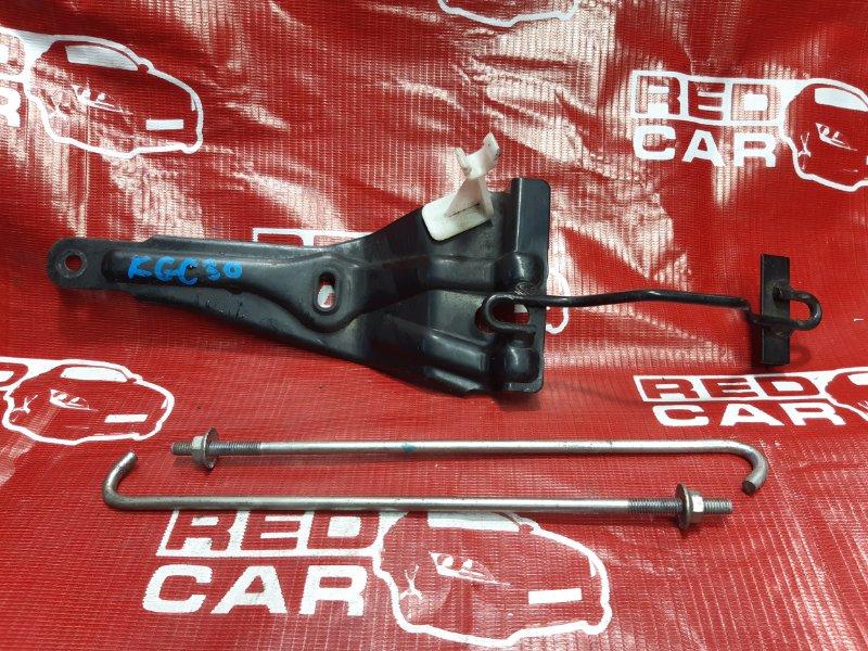 Крепление аккумулятора Toyota Passo KGC30 (б/у)
