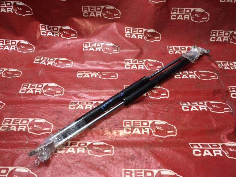 Амортизатор задней двери Nissan Largo VNW30-005046 CD20-3085058 1993 (б/у)