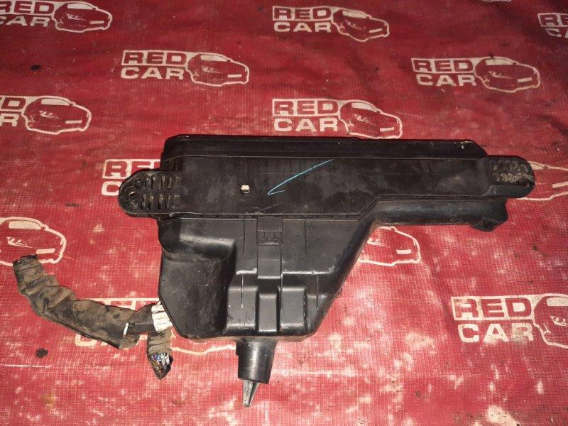 Блок предохранителей под капот Toyota Caldina ST215-3002675 3S 1997 (б/у)