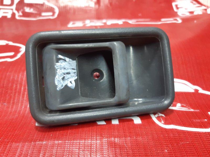 Ручка двери внутренняя Mazda Proceed UV66R-102864 G6 1992 передняя левая (б/у)