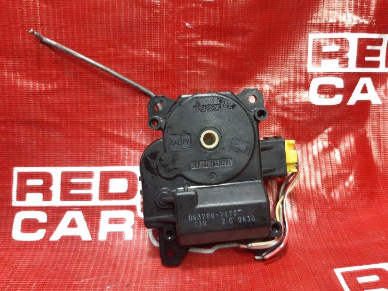 Сервопривод заслонок печки Suzuki Grand Escudo TX92W-100548 H27A 2001 передний правый (б/у)