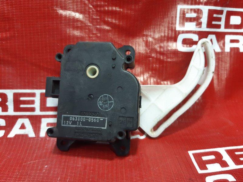 Сервопривод заслонок печки Toyota Wish ZNE14-0061770 1ZZ 2009 (б/у)