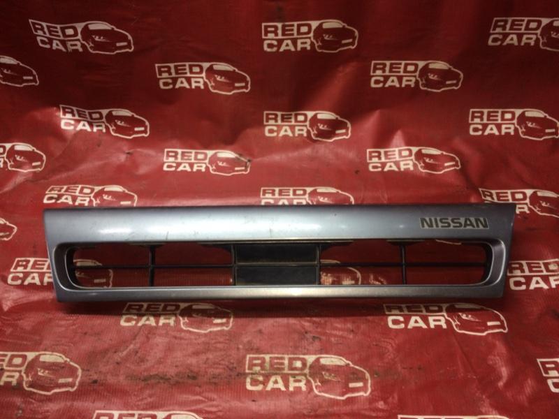 Решетка радиатора Nissan Ad WFY10 (б/у)