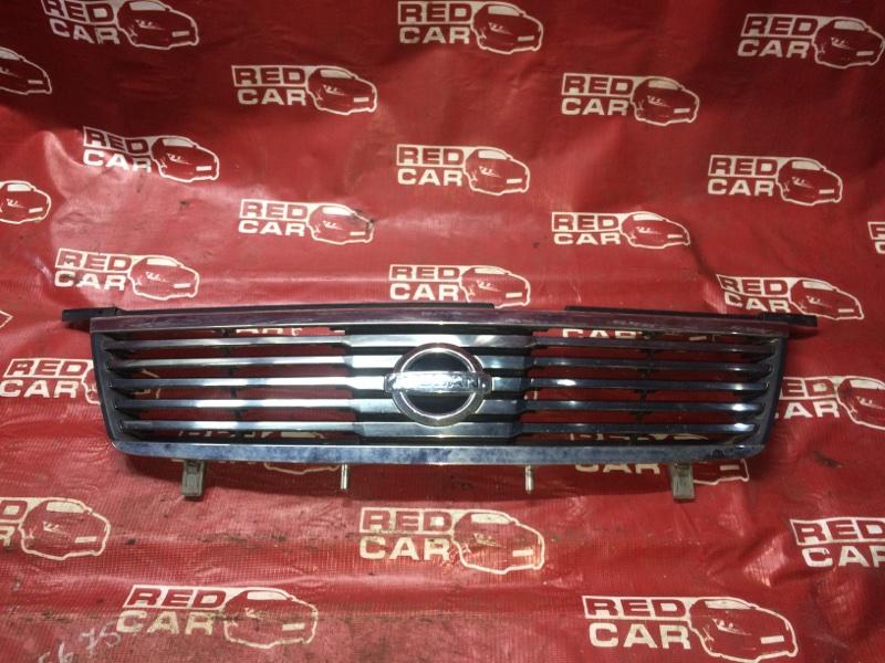 Решетка радиатора Nissan Sunny FB15-382773 QG15-405967A 2003 (б/у)