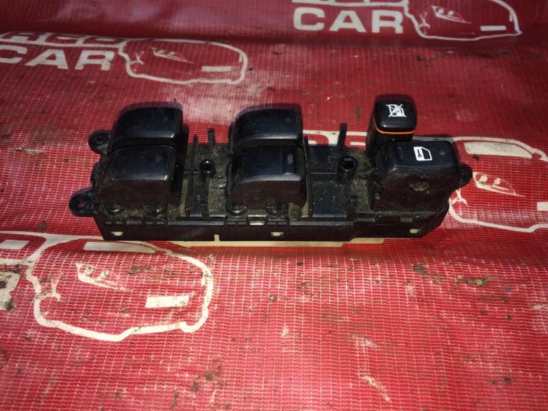 Блок упр. стеклоподьемниками Toyota Ist NCP65-0012522 1NZ 2002 передний правый (б/у)