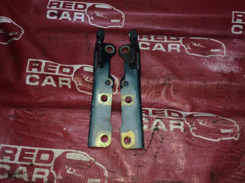 Петля капота Mitsubishi Dion CR9W-0104378 4G63 2000 (б/у)