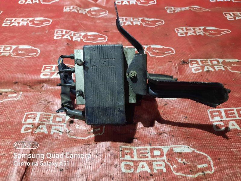 Блок abs Toyota Grandhiace KCH16-0031338 1KZ-TE 2002 (б/у)