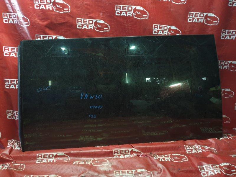 Стекло собачника Nissan Largo VNW30-005046 CD20-3085058 1993 заднее левое (б/у)