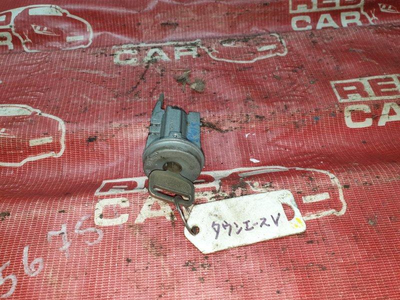 Личинка замка Toyota Camry SV43 (б/у)